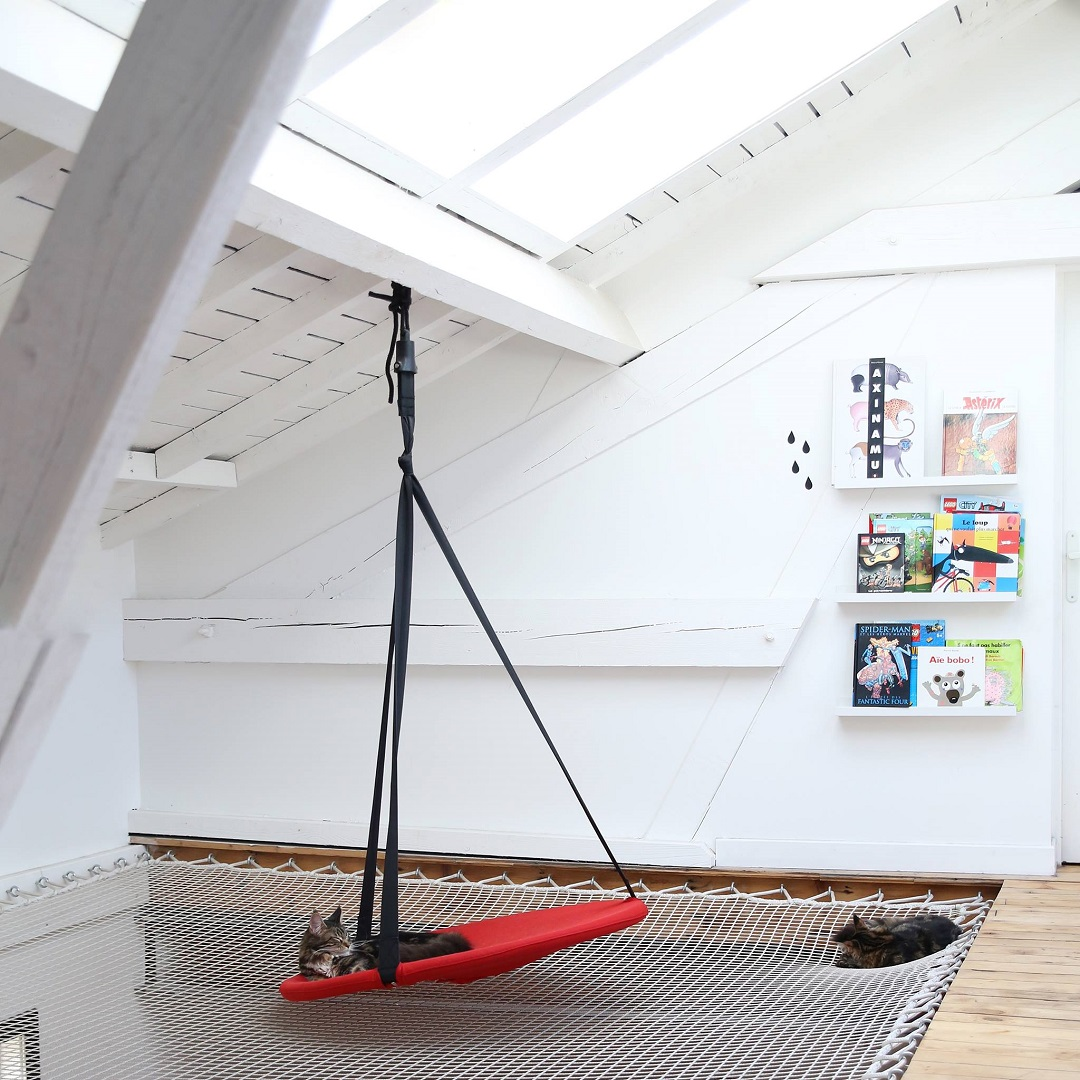 filet d 39 habitation en suspension dans la maison. Black Bedroom Furniture Sets. Home Design Ideas