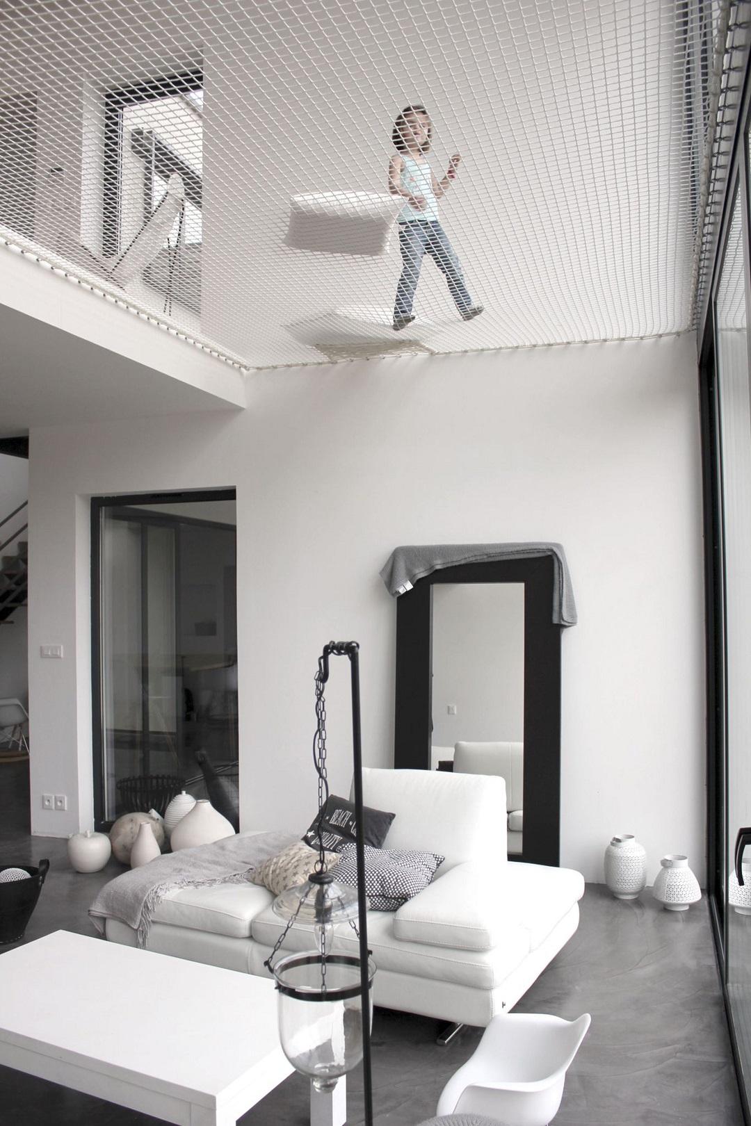 filet d 39 habitation en suspension dans la maison icone magazine. Black Bedroom Furniture Sets. Home Design Ideas